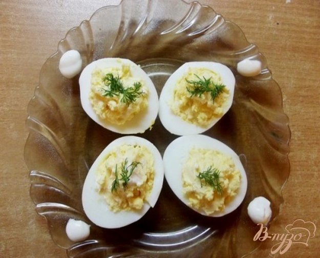 Рецепт Украинская закуска из яиц с салом и чесноком
