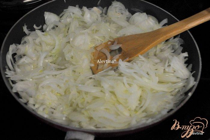Фото приготовление рецепта: Луковый суп на пиве Guinness шаг №1