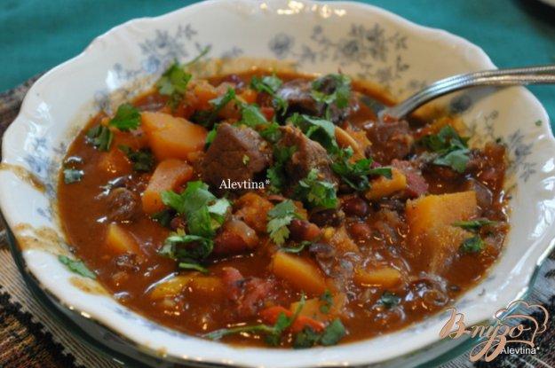 Рецепт Тушеная говядина с мускатной тыквой и фасолью