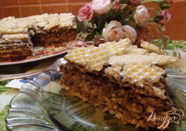 Рецепт Темный вафельный торт с яблоком
