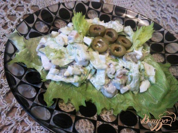 Рецепт Салат с курицей и оливками