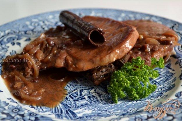 Рецепт Свинные антрекоты в соусе из красного вина