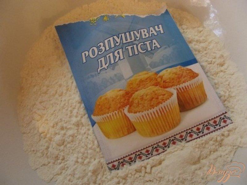 Фото приготовление рецепта: Кексы с малиной шаг №2