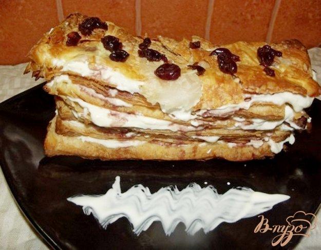 """Рецепт Слоеный торт """"Старый замок"""" с вишней и творожным кремом"""