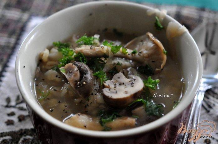 Фото приготовление рецепта: Грибной суп с шиитаке и шампиньонами Белла шаг №6