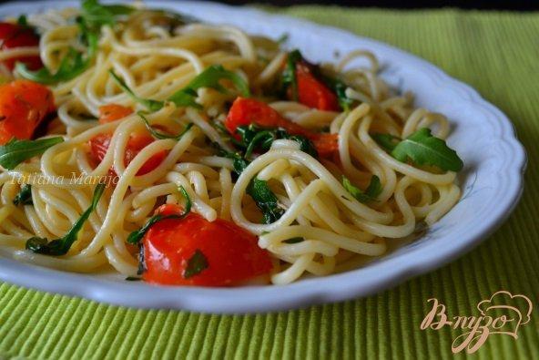 Рецепт Спагетти с томатами и рукколой