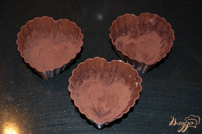 Фото приготовление рецепта: Шоколадный фондано с мороженым шаг №6