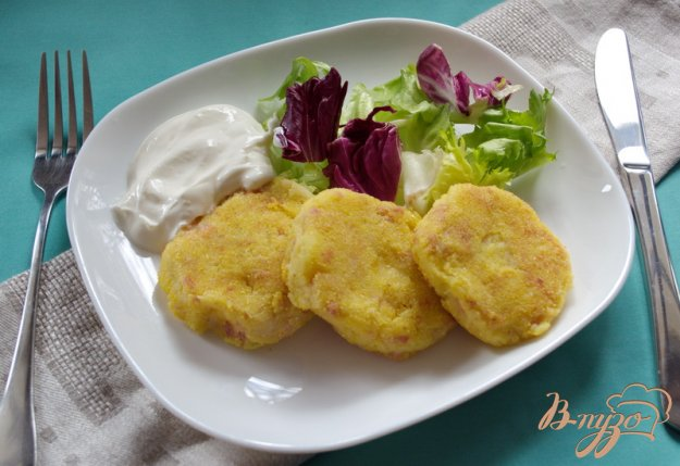 Рецепт Картофельные котлеты с ветчиной в кукурузной панировке