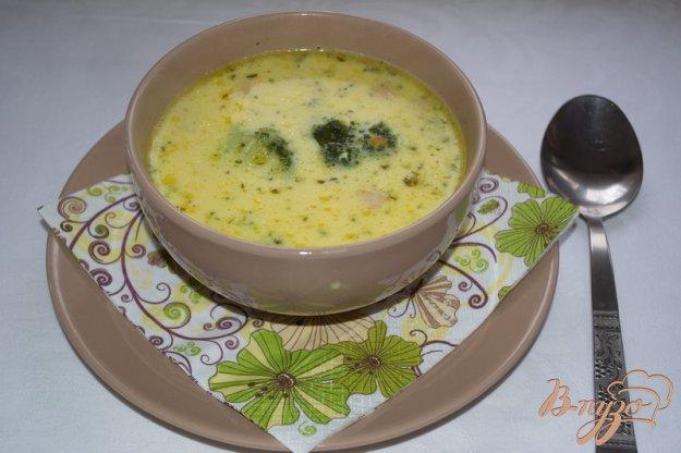 фото рецепта: Суп с брокколи и сыром