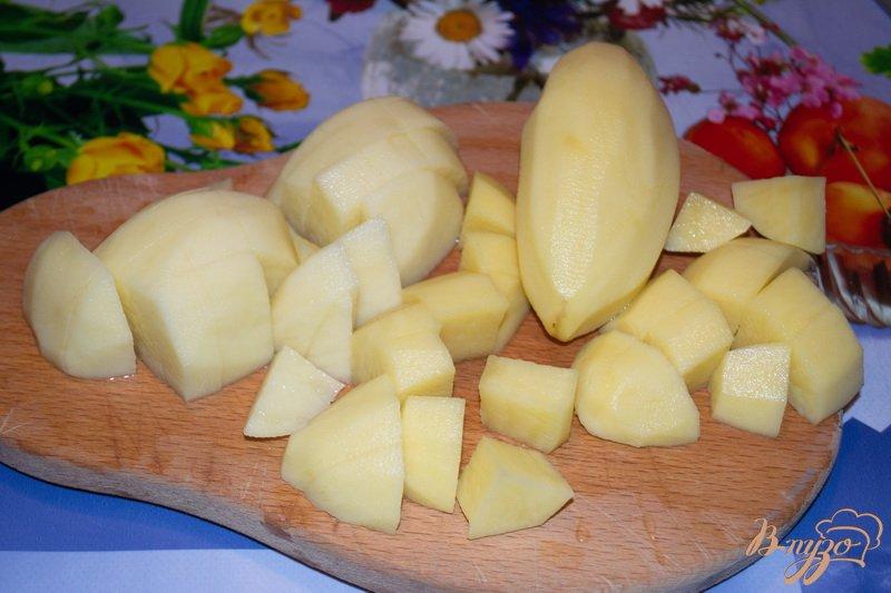 Фото приготовление рецепта: Суп с брокколи и сыром шаг №1