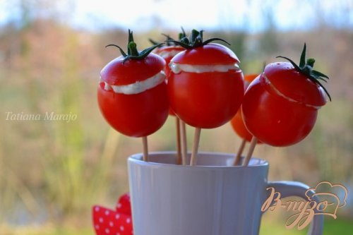 Закуска из томатов с сыром