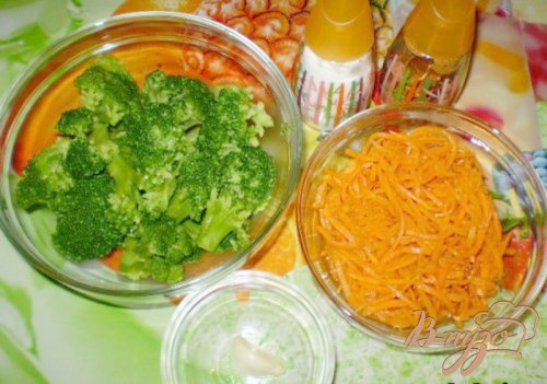 Салат из брокколи и моркови по-корейски