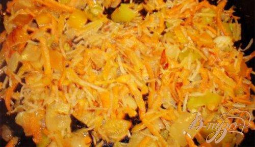 Сырный суп с ветчиной, сельдереем и другими овощами