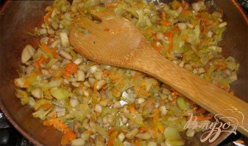 Тушеный картофель с луком пореем и грибами