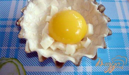 Яйца, запеченые в кокотницах