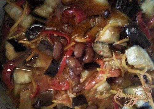 Салат из фасоли и баклажанов