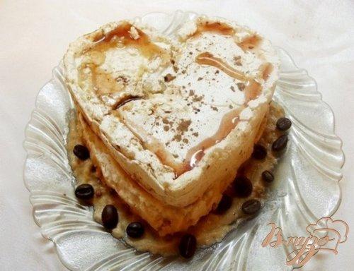 Пирожное безе с кофейным кремом