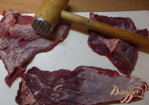 Рулеты говяжьи с луком