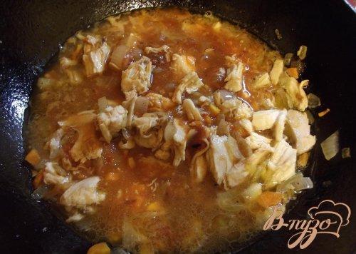 Спагетти с курицей и заправкой из овощей