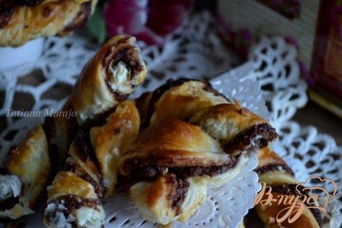 Брецель с шоколадом и орехами