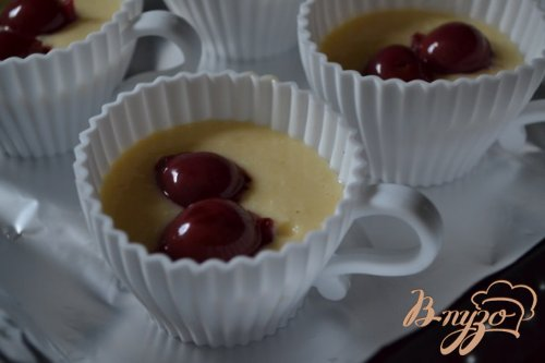 Бисквит с белым шоколадом и взбитыми сливками
