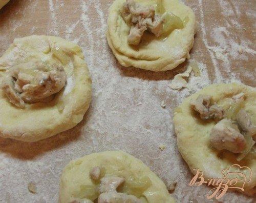 Шарики из картофеля под вишневым соусом