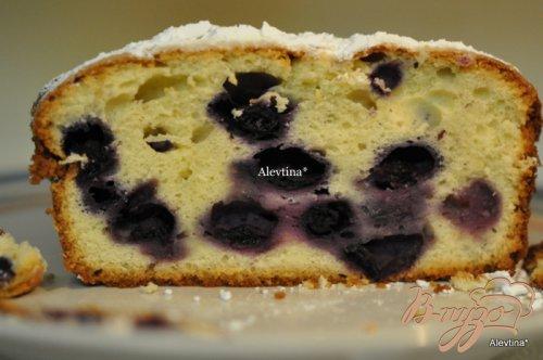 Фунтовый кекс со сливочным сыром и голубикой