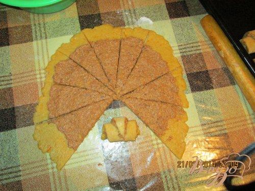 Рулетики с сушеными абрикосами и грецким орехом.