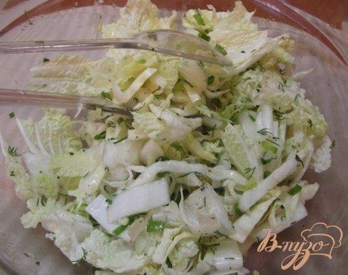 Салат с пекинской капустой и зеленым горошком
