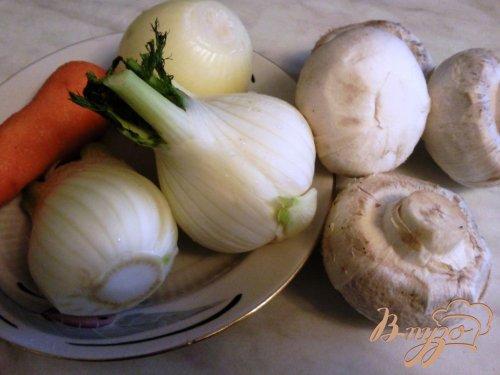Курица,тушенная в овощах с шампиньонами