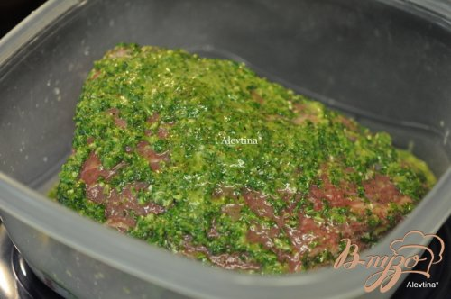 Говядина на гриле в чимичурри соусе c розмарином