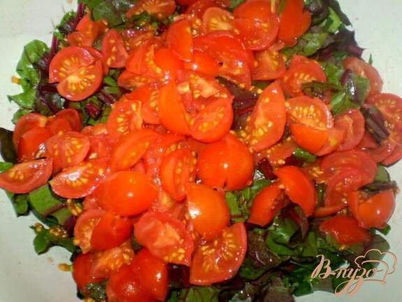 Фото приготовление рецепта: Витаминный салат со свекольной ботвой шаг №3