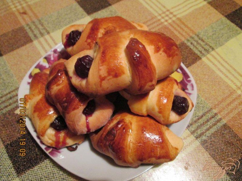 Фото приготовление рецепта: Пирожки с вишней шаг №13