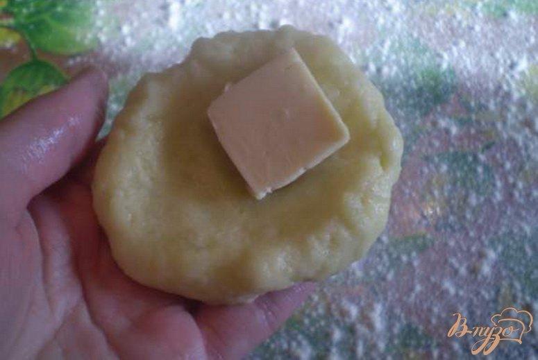 Фото приготовление рецепта: Зразы картофельные с сыром шаг №3