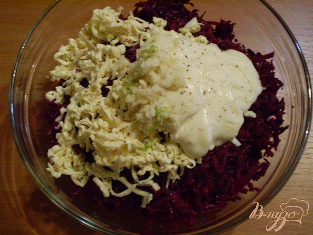 Фото приготовление рецепта: Свекольный салат шаг №2