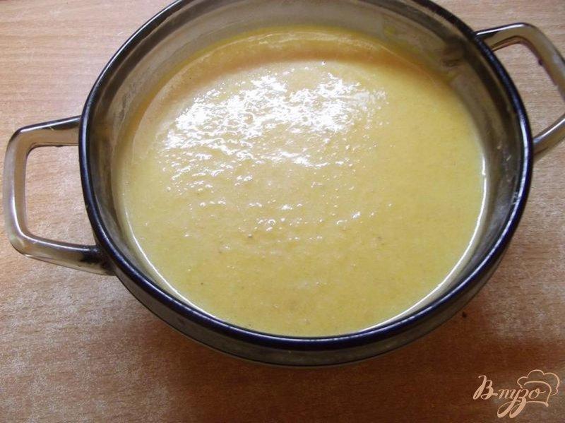 Фото приготовление рецепта: Крем-суп из тыквы с грушей шаг №9