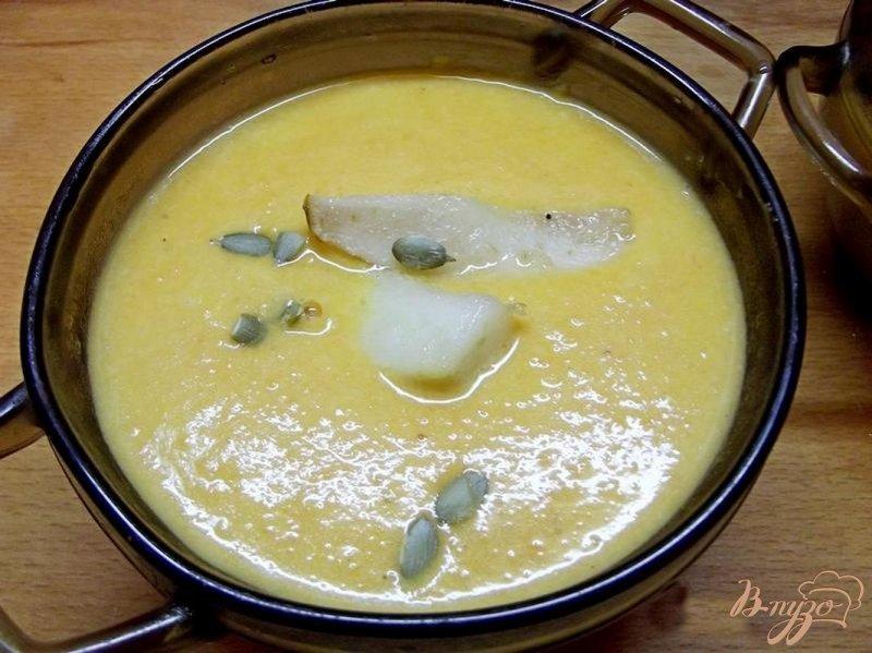 Фото приготовление рецепта: Крем-суп из тыквы с грушей шаг №10