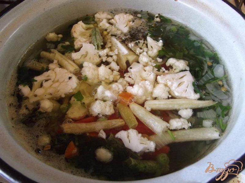 Фото приготовление рецепта: Суп с бобовыми шаг №4