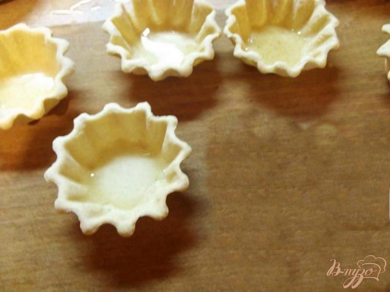Фото приготовление рецепта: Тарталетки с бананом шаг №2