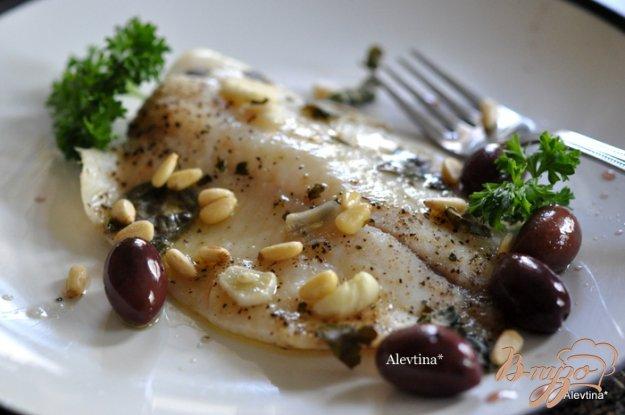 Рецепт Рыба с маслинами, кедровыми орешками,базиликом и вином