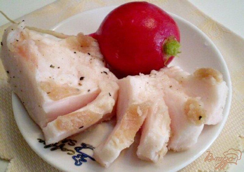 Фото приготовление рецепта: Сало соленое с черным перцем шаг №3