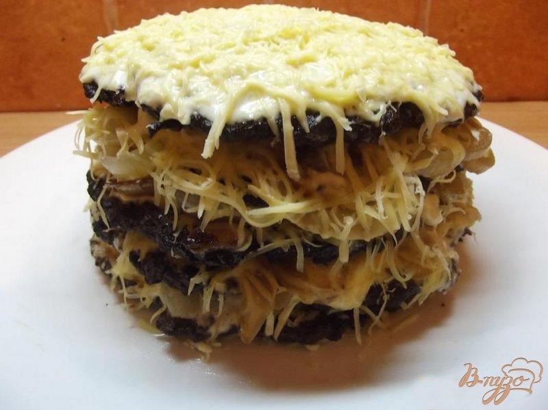 Фото приготовление рецепта: Торт печеночный с сыром шаг №8