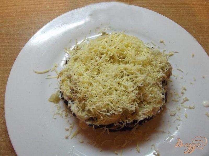 Фото приготовление рецепта: Торт печеночный с сыром шаг №7