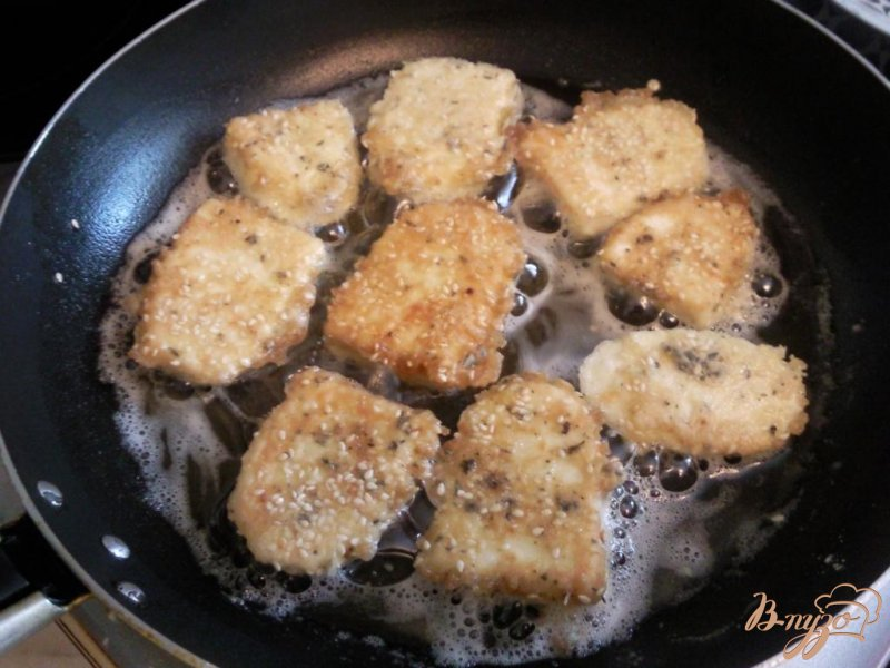 Фото приготовление рецепта: Жаренный адыгейский сыр шаг №3