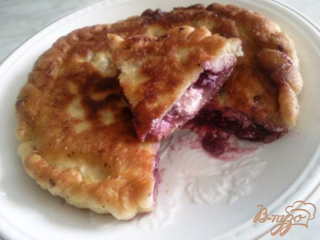 Рецепт Пирог с вишней и творогом