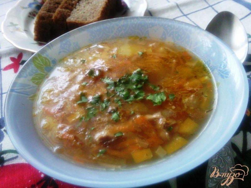 Фото приготовление рецепта: Суп с поджаренной лапшой шаг №5