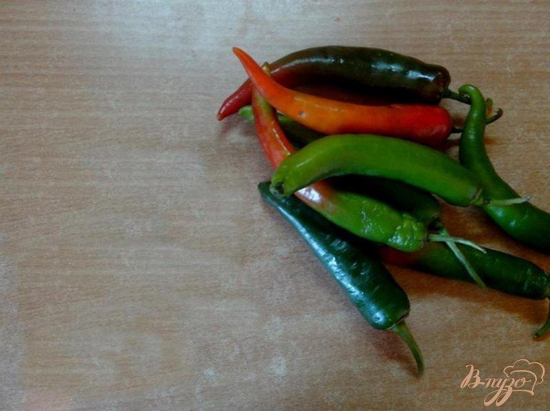 Фото приготовление рецепта: Маринованный перец чили шаг №1