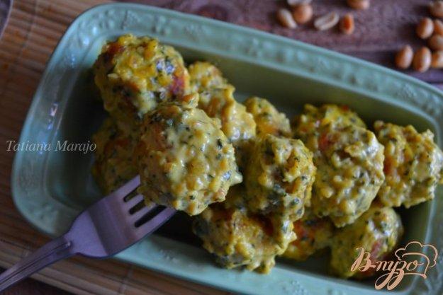 Рецепт Рыбные шарики в сливочно-арахисовом соусе карри