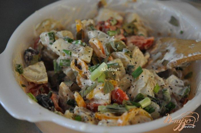 Фото приготовление рецепта: Средиземноморский  картофельный салат шаг №4