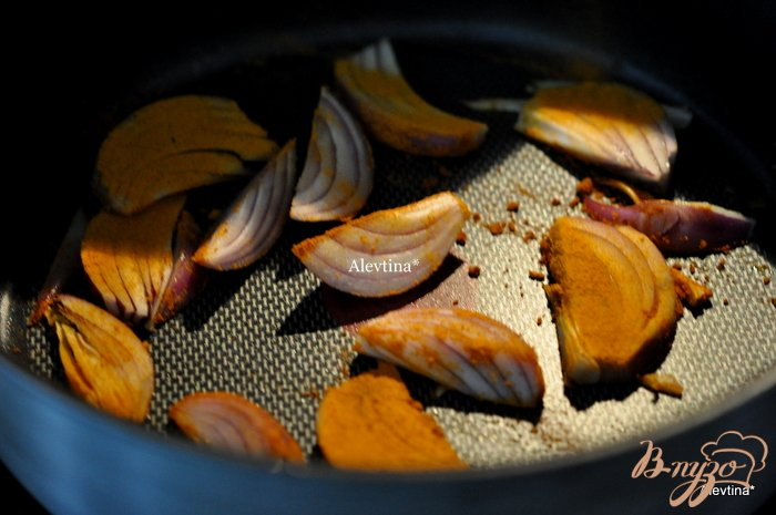 Фото приготовление рецепта: Куриный плов  в духовке шаг №2